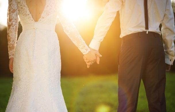 Što pokloniti mužu za godišnjicu braka?